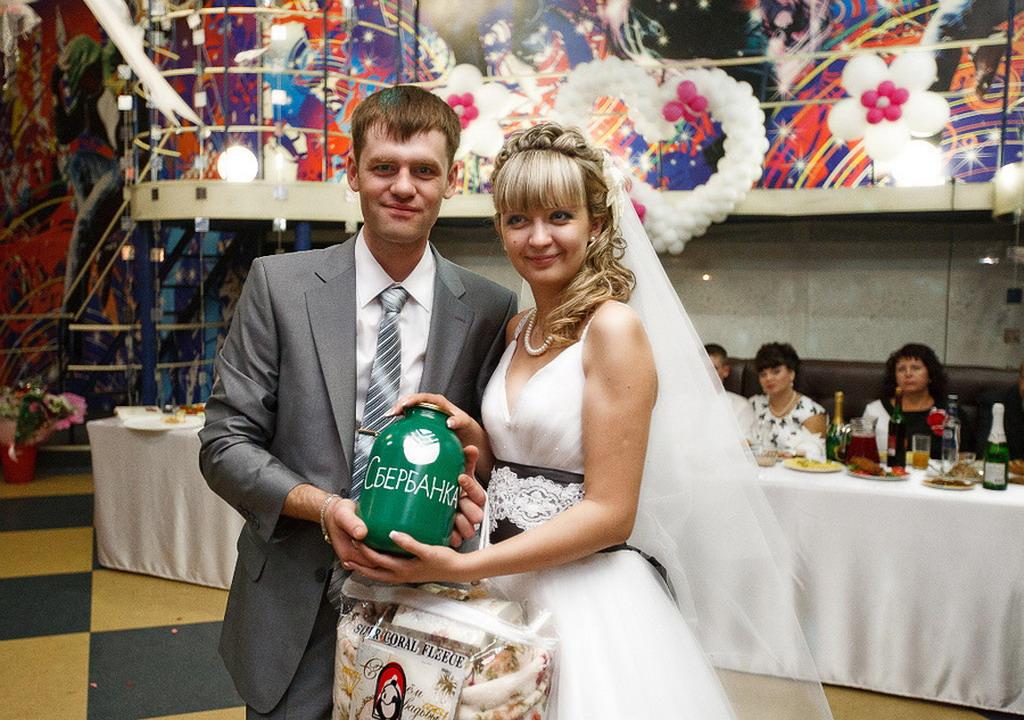Как сделать банк для свадьбы своими руками видео
